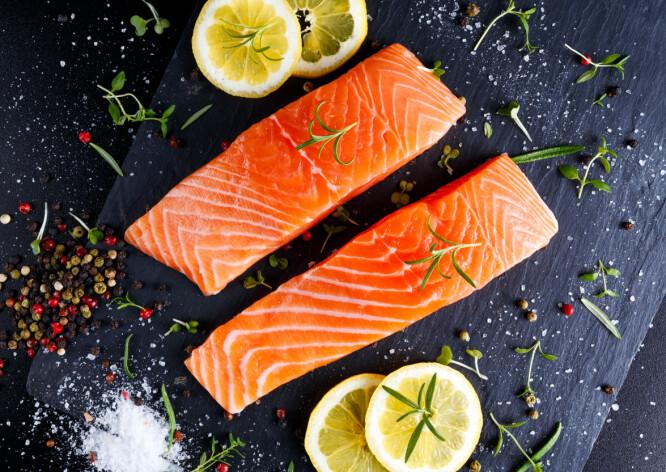<strong>MINDRE FISK ENN FØR:</strong> Ekspertene tror det er 3 grunner til at vi spiser mindre fisk i dag enn for 10 år siden. FOTO: NTB Scanpix