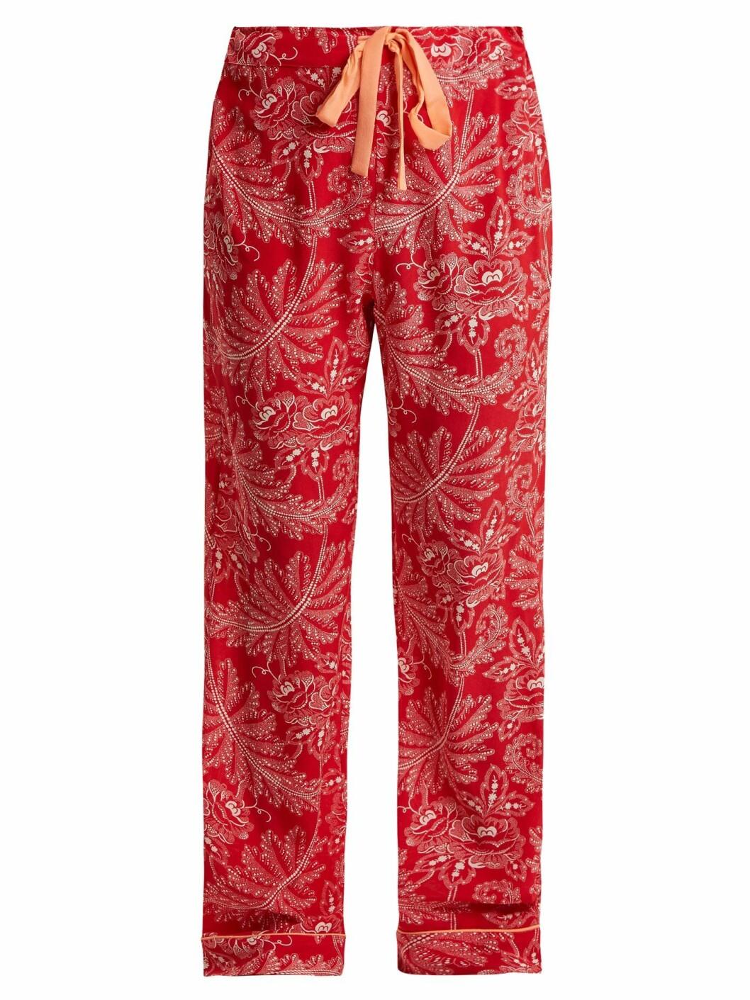Bukse fra Diane von Furstenberg |1290,-| https://www.matchesfashion.com/intl/products/Diane-Von-Furstenberg-Floral-print-silk-crepe-de-Chine-pyjama-trousers--1185376