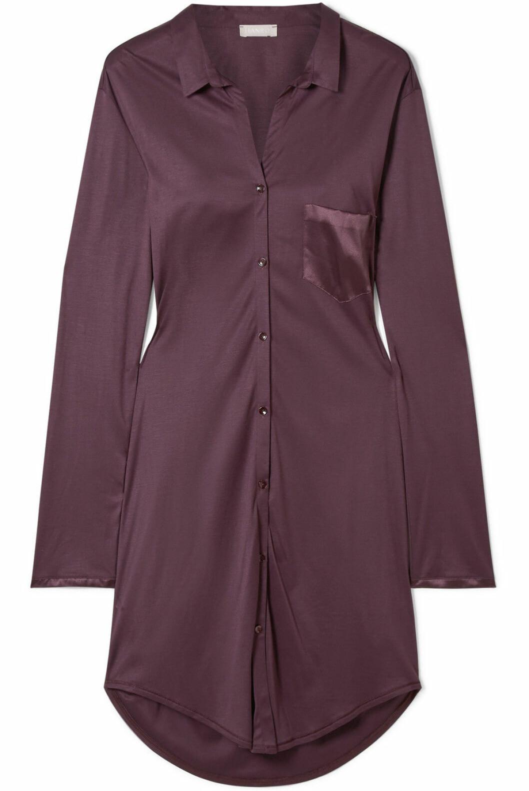 Nattskjorte fra Hanro |1450,-| https://www.net-a-porter.com/no/en/product/1077513/hanro/grand-central-satin-trimmed-modal-and-silk-blend-nightdress