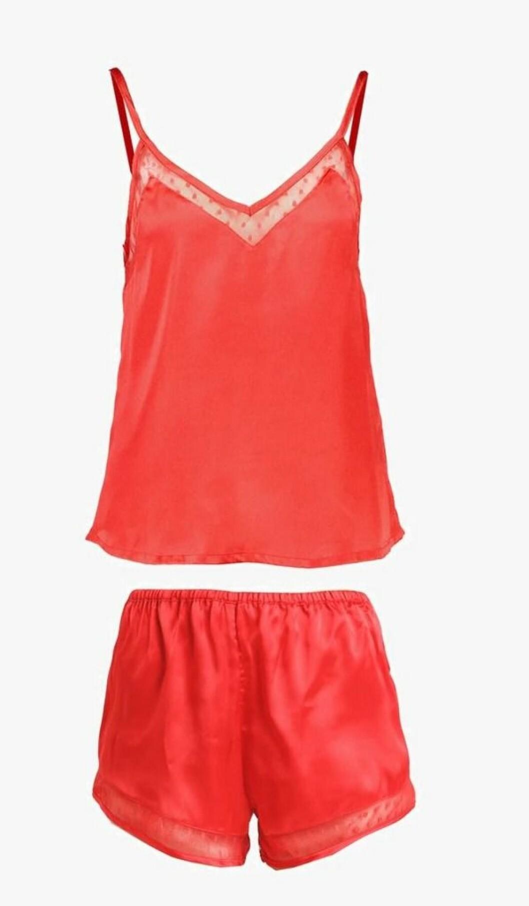 Pysj fra Dorothy Perkins |279,-| https://www.zalando.no/dorothy-perkins-spot-cami-pyjamas-red-dp581p00z-g11.html