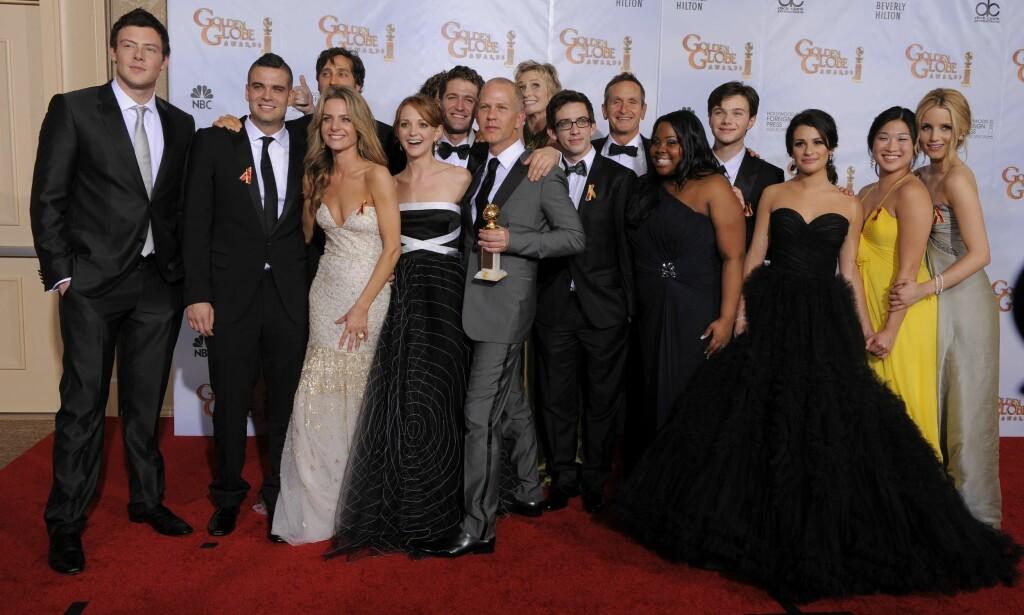 GLEE: Her er «Glee»-skuespillerne samlet på Golden Globe Awards i 2010. De vant prisen for beste musikal- eller komedieserie. Foto: NTB/Scanpix.