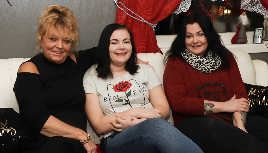 UTVIDET FAMILIE: Kristina lette etter Taini i seks år, før hun endelig fant henne i en Facebook-gruppe. FOTO: Ida Bergersen