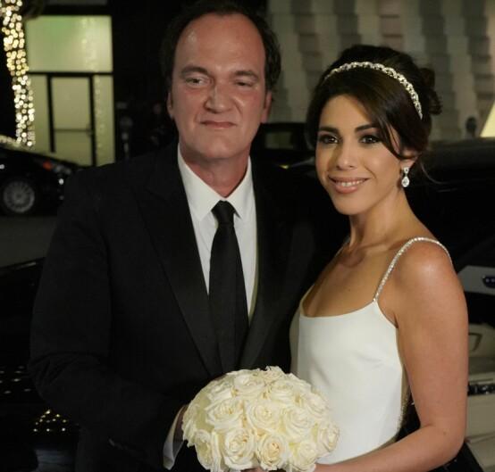 MED KONA: Quentin Tarantino på bryllupsdagen med sin kjære Daniella. Foto: NTB scanpix
