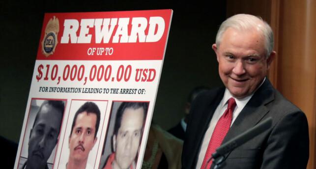 DUSØR: Tidligere justisminister Jeff Sessions lover 10 millioner dollar for opplysninger som fører til arrestasjonen av El Mencho. Foto REUTERS / Yuri Gripas / NTB Scanpix
