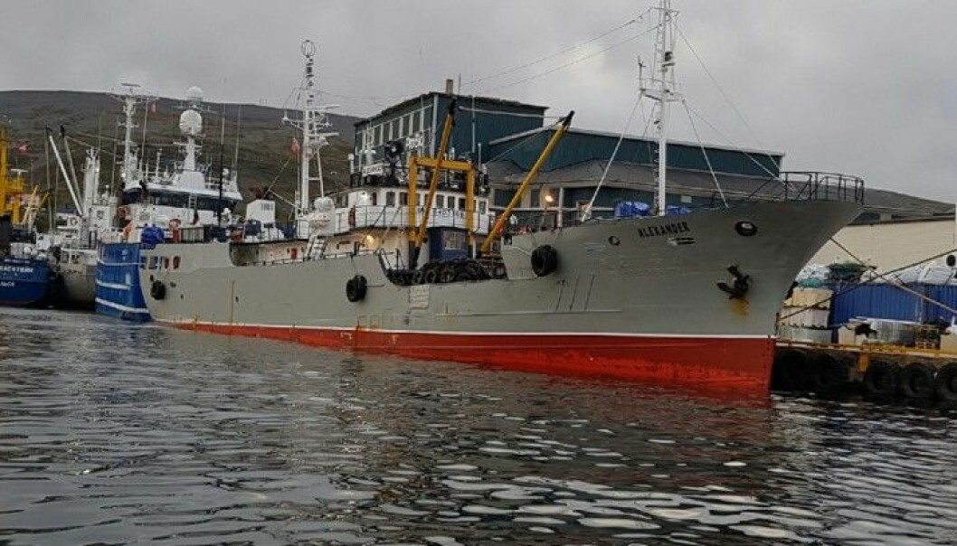 GJENTATT SEILINGSNEKT: «Alexander» ble holdt tilbake flere uker i Haugesund i 2015, etter funn av omfattende brudd på sikkerheten. I juni 2016 skipet holdt tilbake i Amsterdam, etter nye funn. I august 2016 var det bra nok på skipet, mente den norske Kystvakten. Foto: Kystvakten