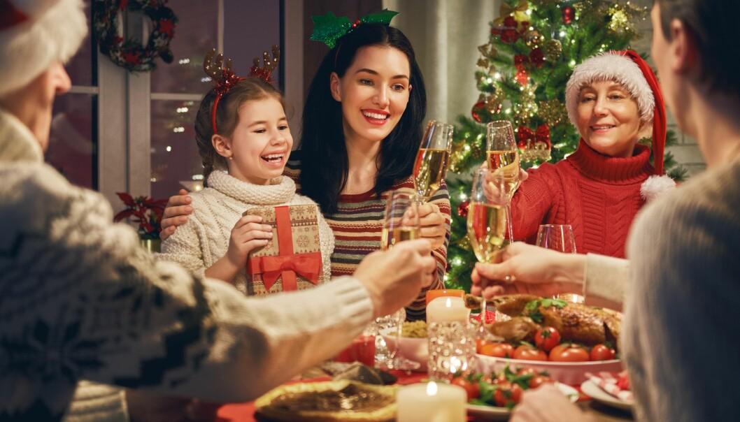 <strong>FAMILIE:</strong> For mange betyr julen mye familibesøk og hyggelige stunder, men for en del blir det også en stressende tid. FOTO: NTB Scanpix