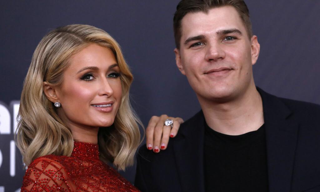 FULL SPLID: Paris Hilton og eksforloveden Chris Zylka er sterkt uenige om hvem som eier forlovelsesringen. Førstnevnte har derimot ingen planer om å gi den tilbake. Foto: NTB Scanpix