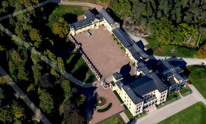 <strong>MAJESTETISK:</strong> Treschow bodde alene på eiendommen Fritzøehus i Larvik frem til sin død. Foto: Google