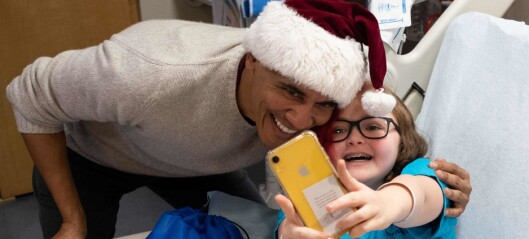 Dukket opp som julenisse på barnesykehus