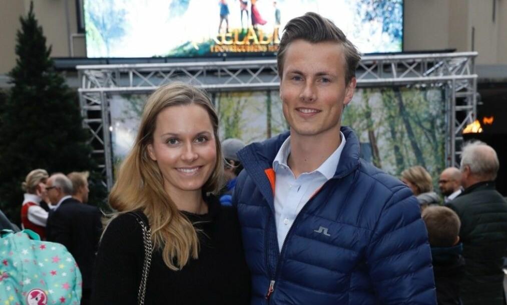 RØPER NAVNET: Anja Johansen og Lavrans Solli fikk nylig et nytt tilskudd til familien, nå røper de navnet på den vesle jenta. Foto: Espen Solli/ Se og Hør