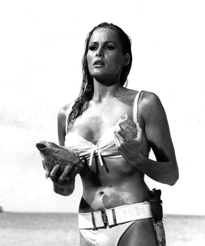 JEGER: Ursula Andres var det første Bond-piken med det legendariske navnet Honey Ryder i «Dr. No» fra 1962. FOTO: NTB Scanpix