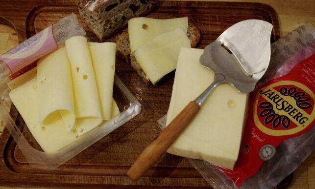 image: Skal bøndene eller skattyterne betale for eksporten av irsk melk?