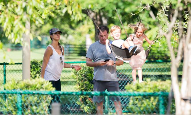 PÅ FLYTTEFOT: De siste årene har prinsesse Madeleine og familien flyttet flere ganger. Nå har de slått seg til ro i Florida. Foto: NTB Scanpix