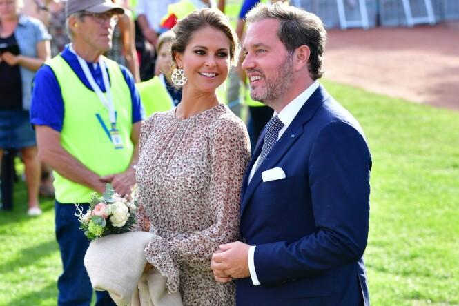 I SVERIGE: Selv om Madeleine og ektemannen er flyttet utenlands er de stadig i Sverige for å ta del i offisielle feiringer - som her da kronprinsesse Victoria fylte 40 i fjor. Foto: NTB Scanpix