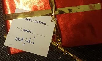 <strong>RANDIS GAVE:</strong> Til Anne-Grethe trenger en adresse. Foto: Posten