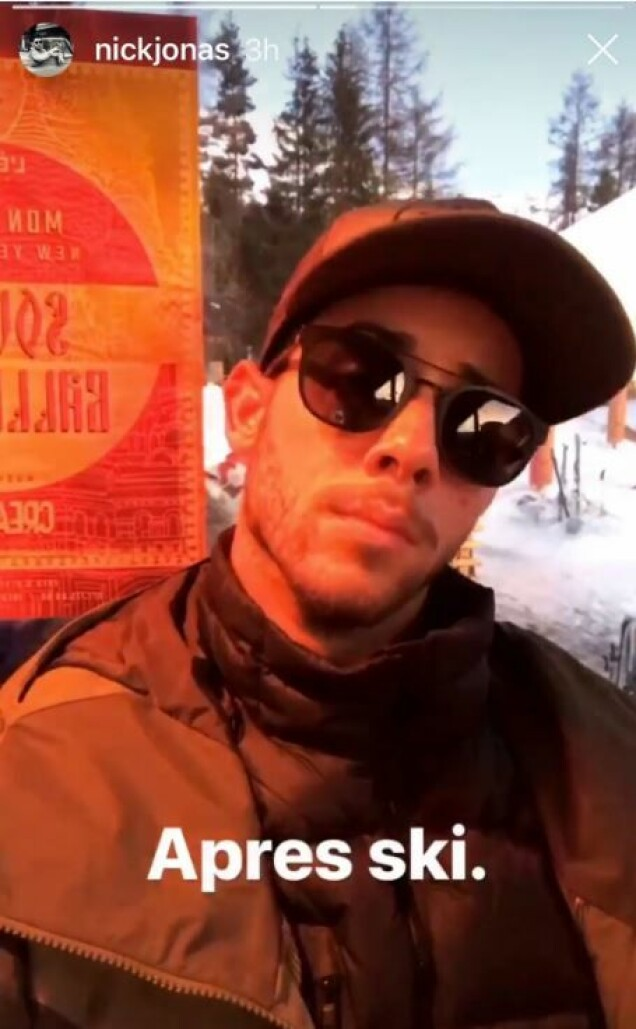<strong>AFTERSKIKONGE:</strong> Det så tilsynelatende ut til at Nick Jonas storkoste seg på afterski i alpene. Foto: Skjermdump / Instagram