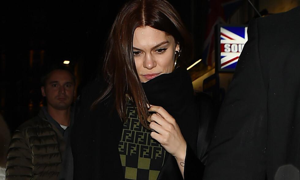 TUNG TID: Artist Jessie J har tatt til sosiale medier for å minnes livvakten sin, Dave. Hun omtaler ham blant annet som familie, og har mottatt dødsbudskapet med dyp sorg. Foto: NTB Scanpix