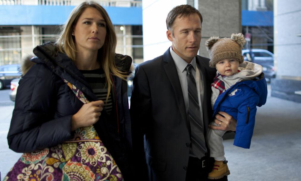 <strong>SAMMEN I SORGEN:</strong> Bode Miller og kona Morgan, her sammen med parets sønn. Foto: NTB Scanpix