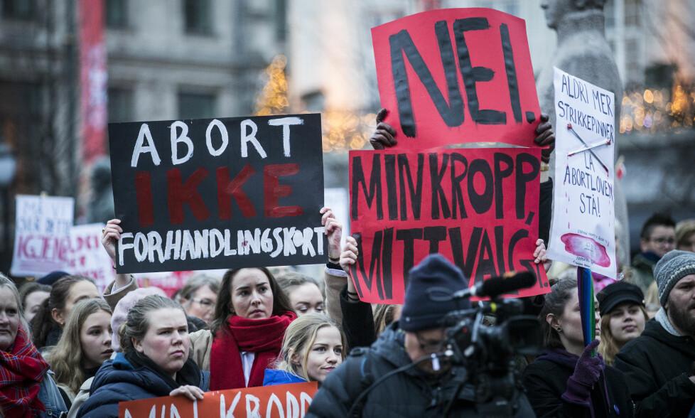NY ABORTSTRID?: Vil KrF i forhandlingene med Høyre, Frp og Venstre få nok gjennomslag til å gå i regjering, og betyr det endringer i abortloven? Her fra demonstrasjonen foran Stortinget for å beholde dagens abortlov, i november. Foto: NTB scanpix
