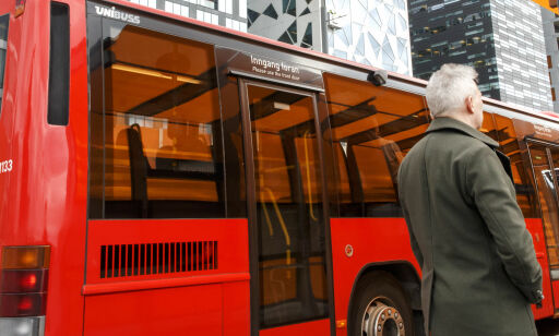 image: Nå øker prisene på kollektivtransport
