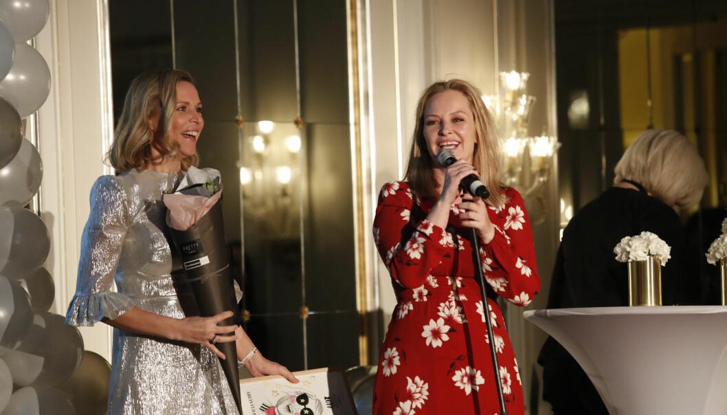 SUKSESS: Vanessa og Synnøve har stor suksess med podkasten. Her vant de pris for Årets stjerneskudd under Vixen i 2017. Foto: NTB Scanpix