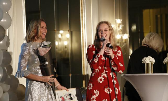 SUKSESS: Vanessa og Synnøve har stor suksess med podkasten. Her vant de pris for «Årets stjerneskudd» under Vixen i 2017. Foto: NTB Scanpix