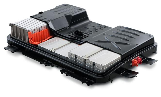 MER ENERGI: Om tre år vil et batteri holde 30 prosent mer energi enn i dag, forteller Carranza. Foto: Nissan