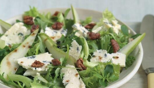<strong>SALATSNACKS:</strong> Med litt Norzola blir salaten garantert velsmakende. Foto: OsteCompagniet