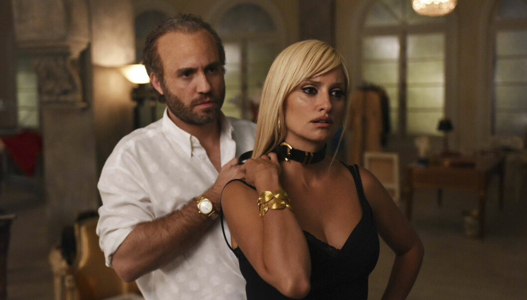 <strong>TV-SERIE:</strong> Skuespillerne Edgar Ramirez og Penelope Cruz i rollene som Gianni og Donatella Versace i andre sesong av «American Crime Story». Foto: NTB Scanpix