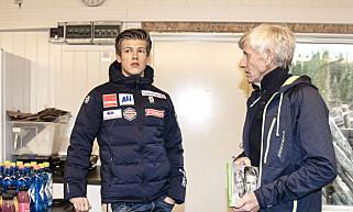 NÆRT FORHOLD: Johannes Høsflot Klæbo og morfar Kåre Høsflot. Her under boklansering i høst. Foto: Hans Arne Vedlog/Dagbladet