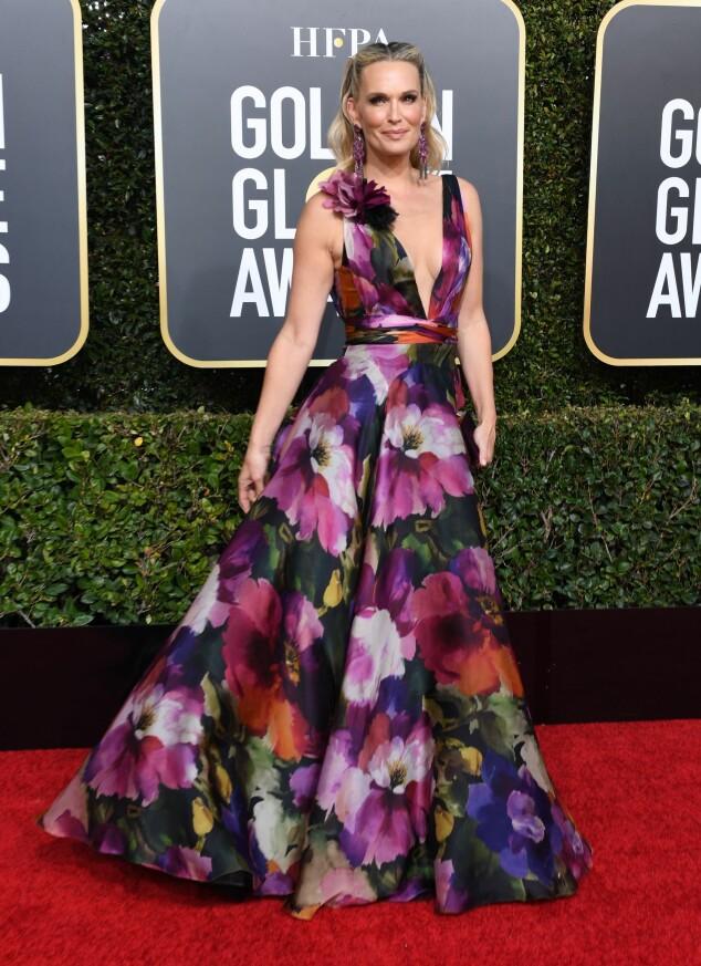 BLOMSTRETE: Molly Sims var en av flere som valgte blomsterdekor på årets Golden Globe-kjole. Foto: NTB Scanpix