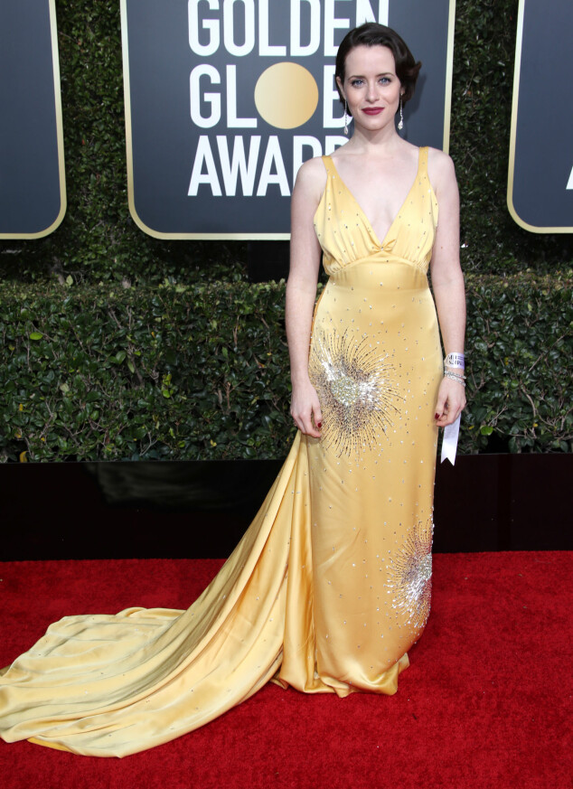 VAKKER: Claire Foy i en nydelig gul kjole under nattas Golden Globe-utdeling. Foto: NTB Scanpix