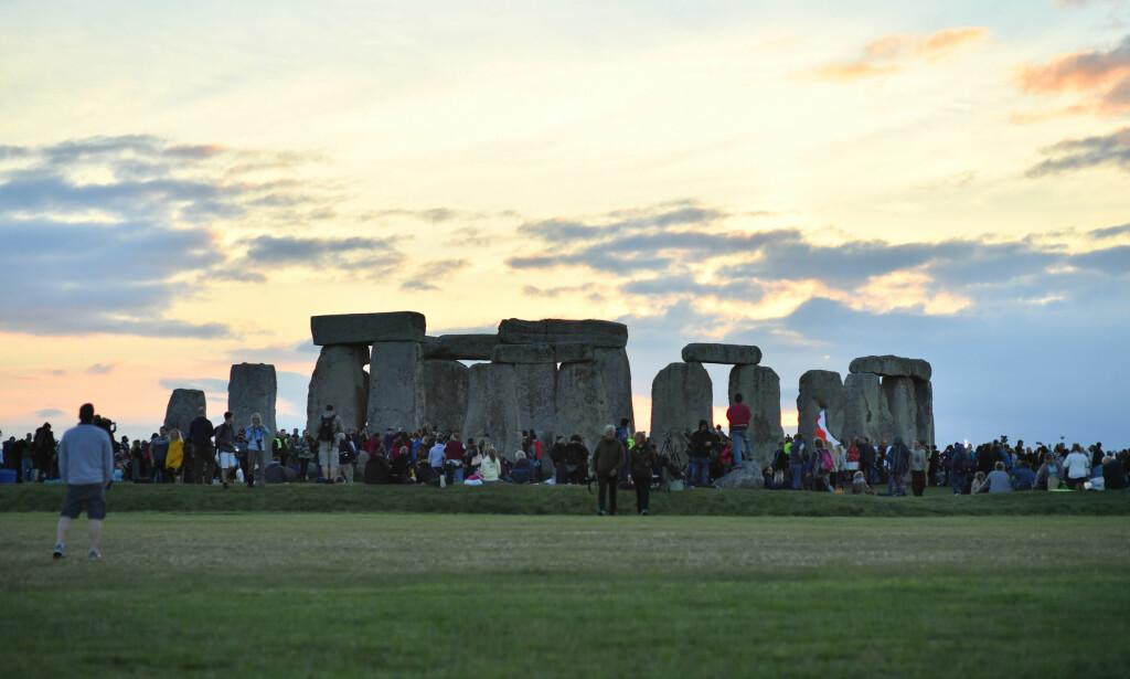 FLOM: I rapporten står det at Stonehenge er blant stedene i Storbritannia som er utsatt for nedbørsrelaterte skader. Foto: Ben Birchall / Pa Photos / NTB Scanpix