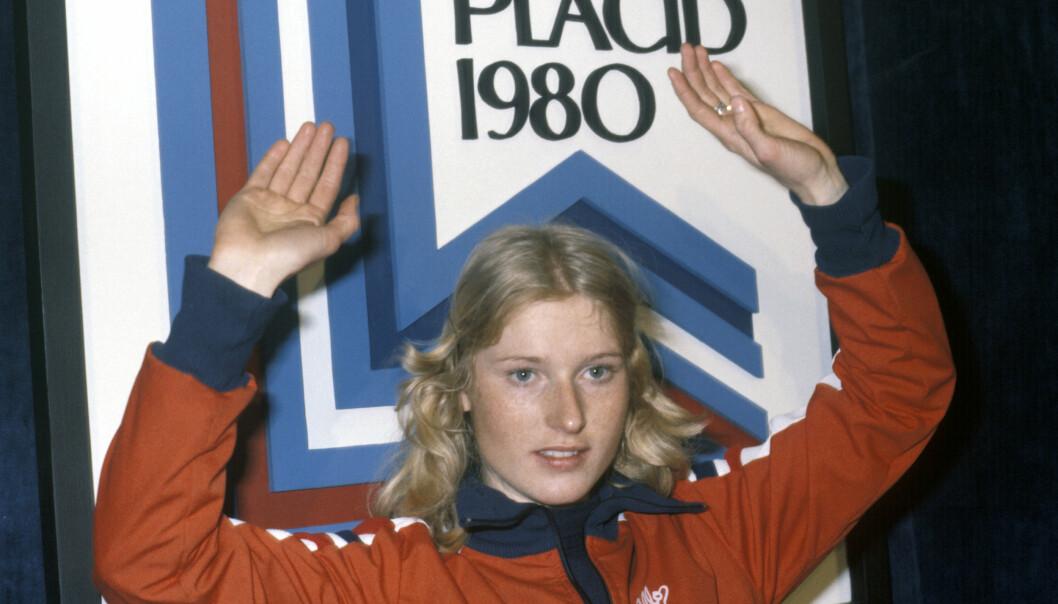 TOK GULL: Bjørg Eva har bemerket seg godt i norsk idrett. Her hadde hun tatt gull i OL i 1980. Foto: NTB Scanpix