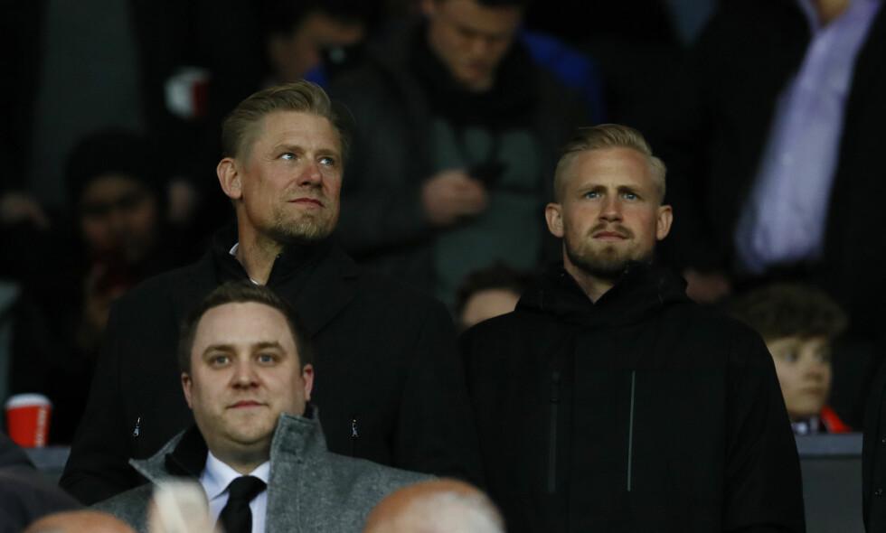 SØNN AV SIN FAR: De har begge vunnet Premier League, og har spilt over 250 kamper i Premier League. Kasper Schmeichel vokter buret til Leicester og Danmark om dagen. Foto: Reuters / Jason Cairnduff /NTB Scanpix