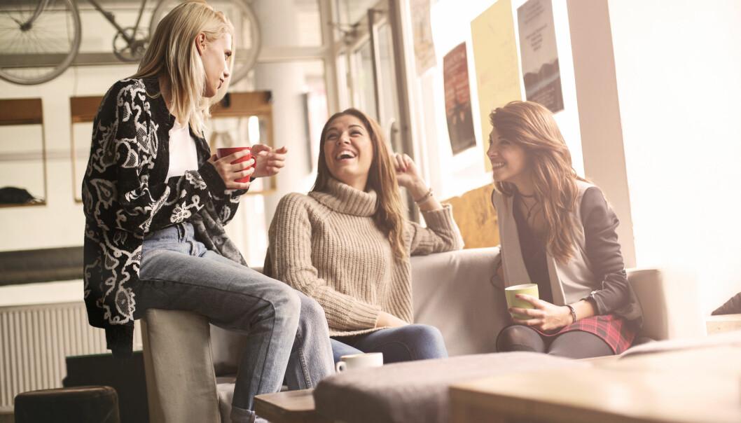 SUNT VENNSKAP: Maktbalansen mellom venninner kan være vanskelig å skjønne. Hva skal man gjøre for å få sunne vennskap? FOTO: Scanpix