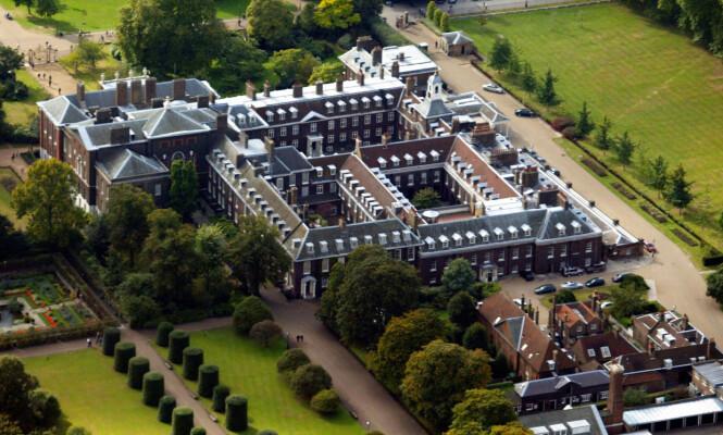 NÅVÆRENDE BOLIG: For tiden bor Meghan og Harry på Kensington Palace (avbildet), der også hertuginne Kate og prins William bor. Foto: NTB Scanpix