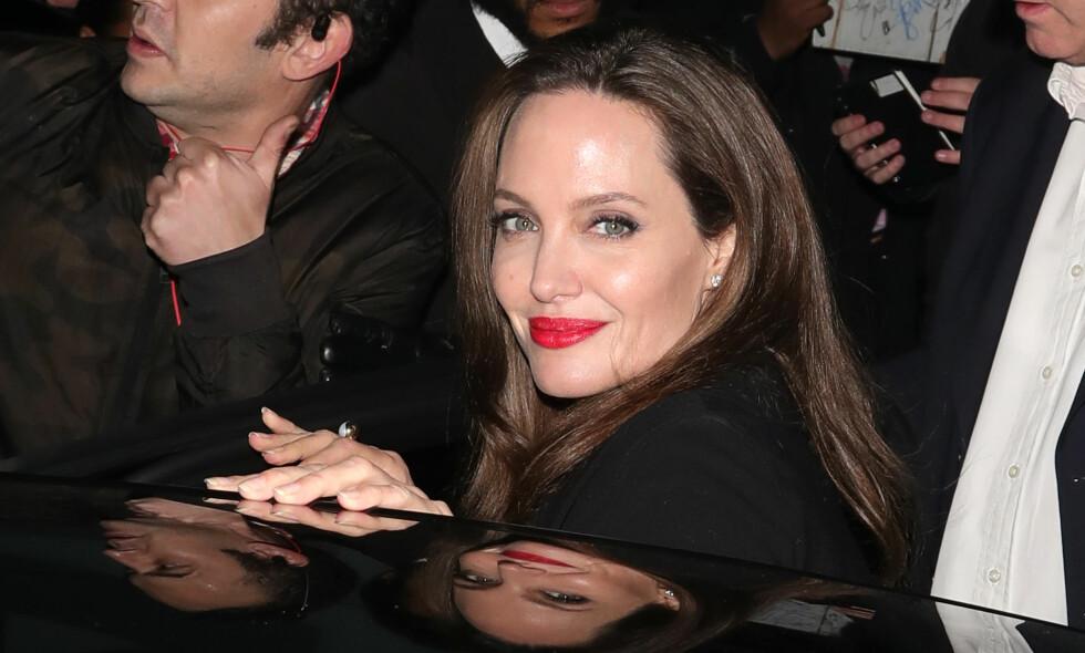 NY ROMANSE?: Angelina Jolie skal angivelig ha innledet en romanse med en anerkjent regissør. Foto: Splash News/ NTB Scanpix