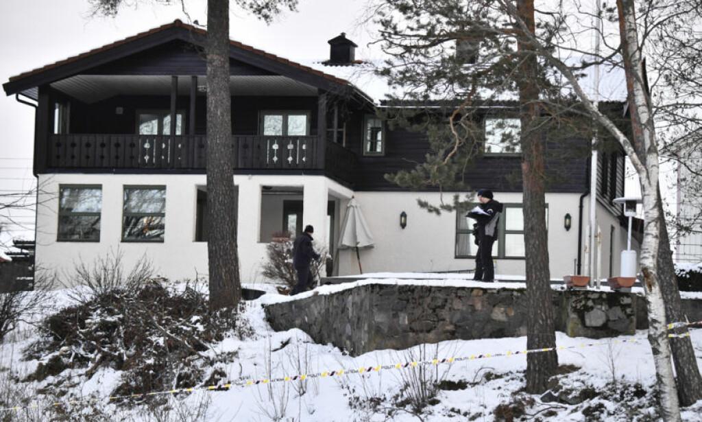FORSVANT FRA HJEMMET: Anne-Elisabeth Hagen forsvant fra sitt hjem i Lørenskog 31. oktober. Her gjør politiet tekniske undersøkelser i dag. Foto: Lars Eivind Bones / Dagbladet