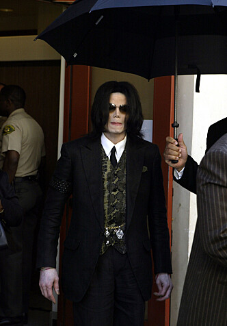 <strong>PÅKJENNING:</strong> Rettsaken ble trolig en stor pålasting for Jackson da det sto på som verst i 2005. Foto: AP