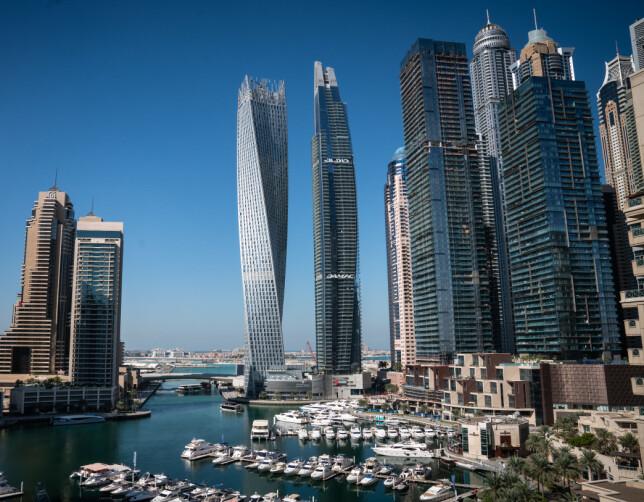 NORDMENNS FAVORITT: Dubai Marina og det kjente landemerket Cayon tårnet (tidligere Infinity) som snor seg 90 grader rundt sin egen akse og rager 306 meter over bakken. En nordmann var tilknyttet en leilighet i tårnet i 2014.