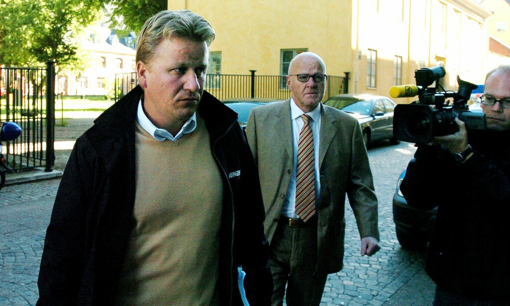 I RETTEN: Her er Fabian Bengtsson og faren på vei til rettssaken mot kidnapperne. Foto: Bobbo lauhage / Scanpix