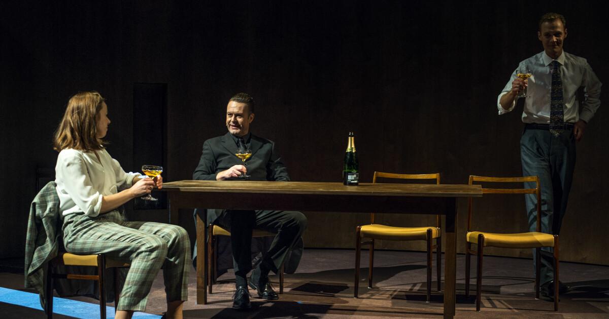 Anmeldelse «Oslo», Det Norske Teatret: