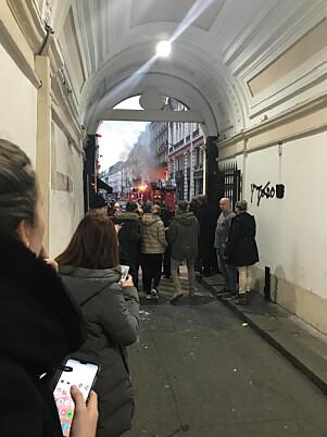 <strong>GIKK UT:</strong> Bladh forteller at hun gikk ut fra hotellet da hun hørte eksplosjonen. Da hun så nedover gata, forsto hun at det dreide seg om en alvorlig hendelse. Foto: Privat.