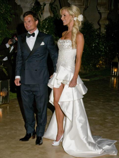 OVERDÅDIG: Petter Stordalen og Gunhild Melhus giftet seg i det fasjonable palasset Le Palais Nanaskar utenfor Marrakech i Marokko i 2010. Bruden var ikledd en kjole i italiensk design, som var lang bak og lårkort foran. Foto: Terry Munson / NTB Scanpix