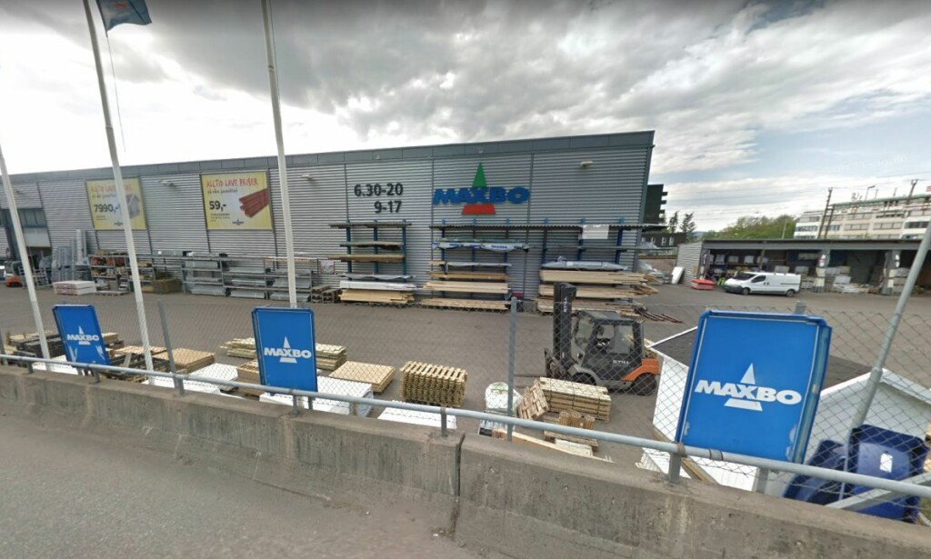 Påstanden om at Maxbo pålegges å ha 88 parkeringsplasser for sykkel stemmer ikke. (Foto: Skjermdump / Google Street View)