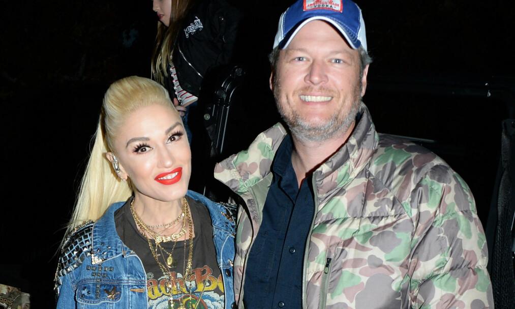"""FORELSKET: Gwen Stefani og Blake Shelton har vært kjærester siden høsten 2015. Her er de avbildet på festivalen """"Love Malibu"""" sist måned. Foto: NTB Scanpix"""