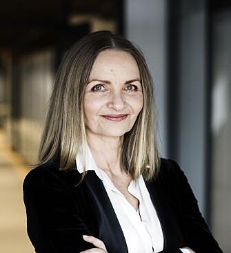 PROFESJONALITET: Danske Charlotte Mandruo har skrevet flere bøker om å være profesjonell på jobben, og mener man bør være forsiktig med å ta vennskapsmodeler med inn i arbeidslivet. FOTO: Charlotte Mandrup