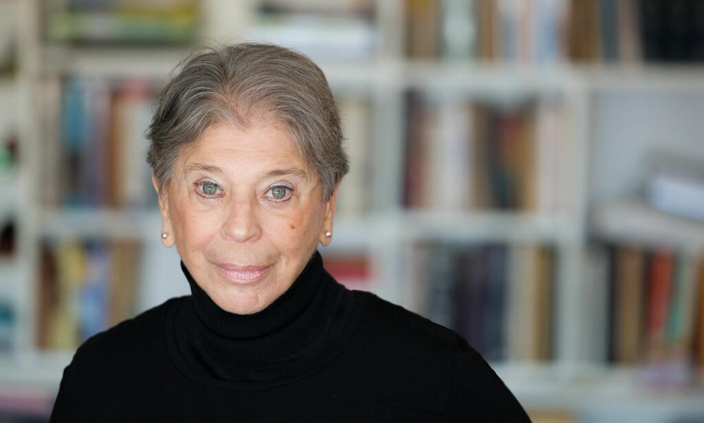 STERK FORFATTER: Vivian Gornick (84) åpner den norske bokvåren med en forfriskende skildring av kvinneliv i New York. «Heftige bånd» er både en tragisk komedie, en feministisk utviklingsroman og en skildring av et amerikansk arbeidermiljø. Foto: Oktober