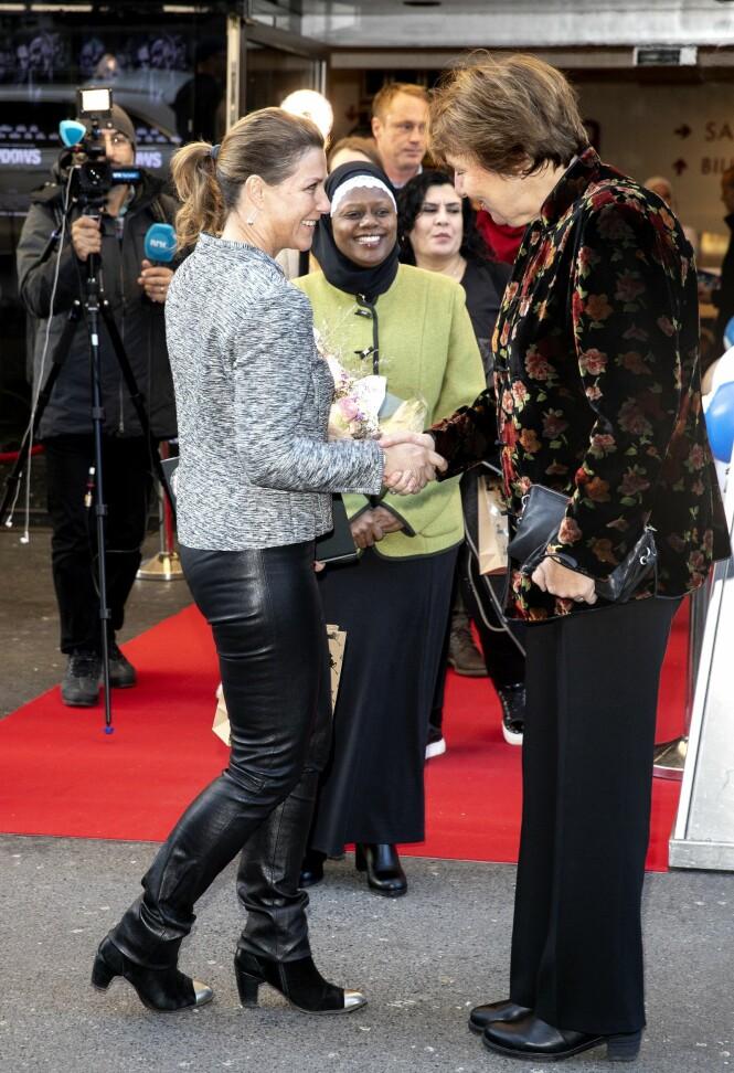 <strong>VELKOMMEN:</strong> Prinsesse Märtha ble ønsket velkommen av Ablooms Fardidah Sakoor Nabaggala (bak) og Oslos ordfører Marianne Borgen. Foto: Andreas Fadum